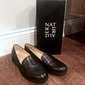 NWT in box! Naturalized Milo black loafers